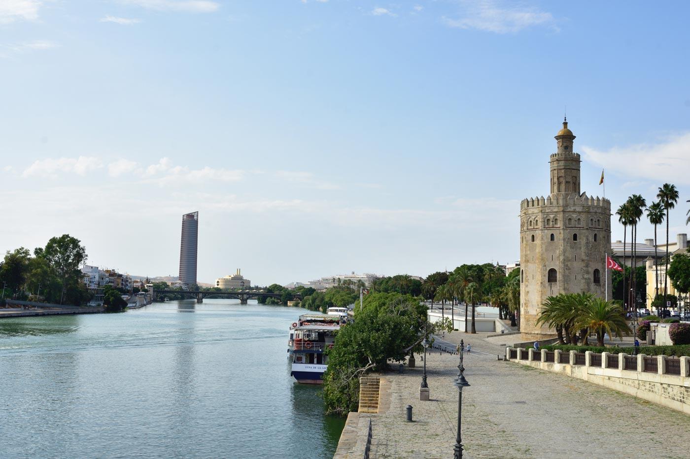 Torre del Oro y Torre Sevilla